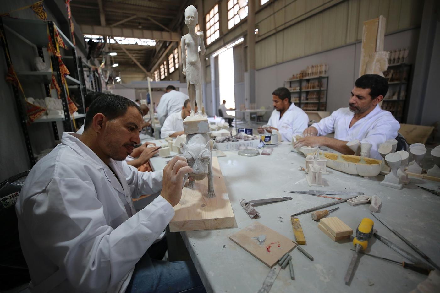 مصنع المستنسخات الأثرية.. صونٌ للحضارة المصرية