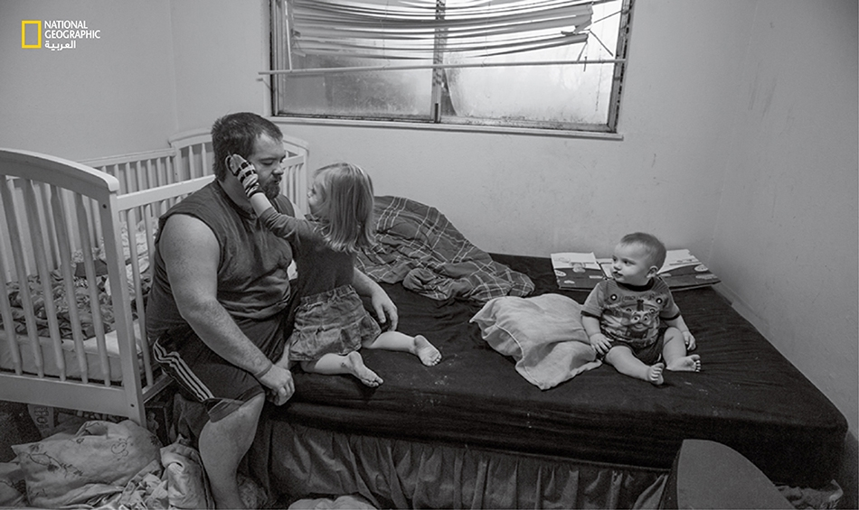 يكافح تايلر كيبودو، وهو أب أعزب، من أجل تربية أبنائه الثلاثة الذين تتراوح أعمارهم ما بين 20 شهراً و أربع سنوات في مدينة سبرينغفيلد بولاية أوريغون. ويواظب كيبودو على حضور أحد البرامج في جامعة أوريغون لتعلم كيفية تقديم أفضل طرق التنشئة والتحفيز لأبنائه.