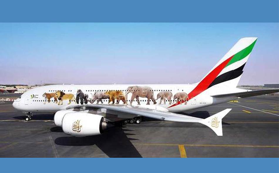 مجسم طائرة الإمارات «A380» التي تحمل شعار «يونايتد فور وايلد لايف» الذي كشف عنه في مطار «هيثرو». من المصدر
