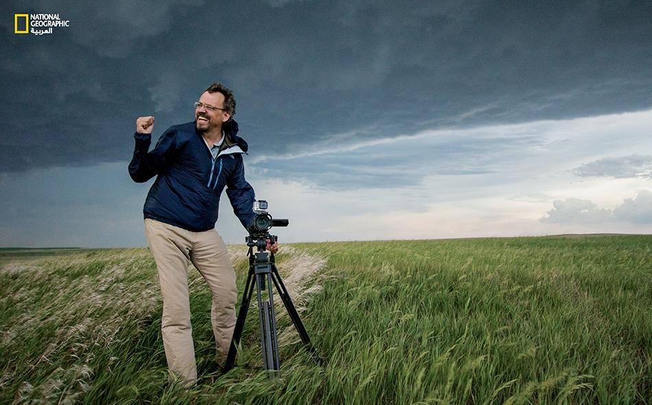 """كان إعصار """"إل رينو"""" عام 2013 أوسع الأعاصير نطاقــاً يسجله التاريخ. ويرغب أنتون سيمون في الاستعانة بمقاطع الفيديو التي تصور بتقنية العرض البطيء والخرائط، لفهم الطريقة التي تحدث بها الأضرار بفعل الأعاصير."""