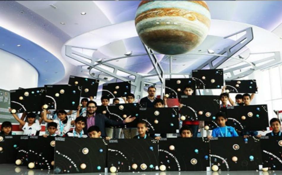 المخيم جذب اهتمام النشء إلى علوم الفضاء والفلك.