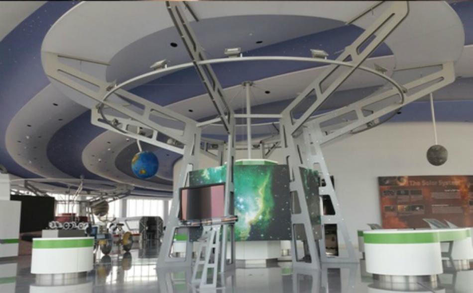 جانب من المعرض المقام في مركز الشارقة لعلوم الفضاء والفلك.