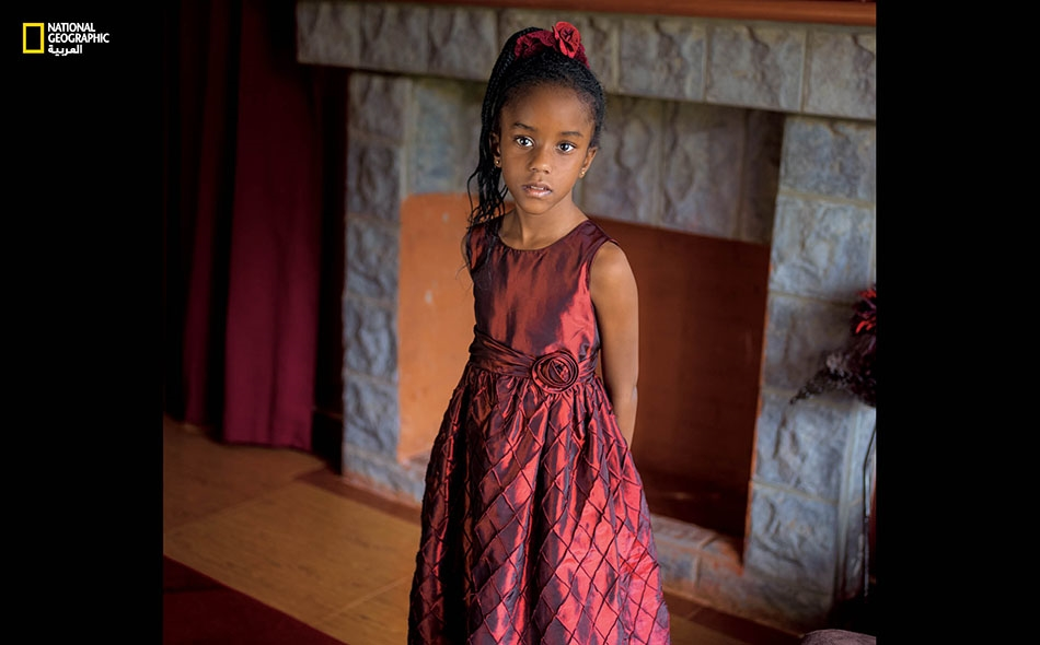 """نيكول إندوتا مونيو أوسانو من كينيا. """"الفارق بين الأولاد والبنات هو أن البنات لطيفات، فيما الخشونة هي سمة الأولاد، وبعضهم يسب الناس، كما أنهم غير لطفاء ويفتقدون لميزة ضبط النفس""""."""