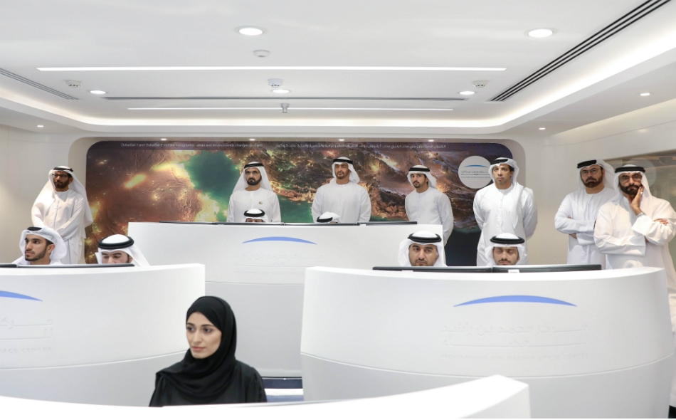 محمد بن راشد ومحمد بن زايد يطلقان برنامج الإمارات الوطني للفضاء