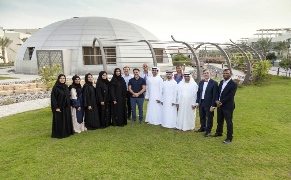 المدينة المستدامة في دبي تُعتبر أول مجتمع مستدام متكامل في المنطقة، وتركز على العناصر الرئيسية الثلاثة للاستدامة وهي: الاقتصادية والبيئة والاجتماعية