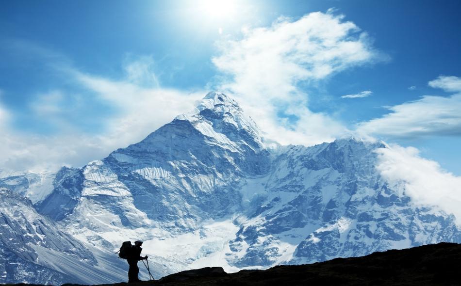 منذ تسلق قمة إيفرست بنجاح للمرة الأولى سنة 1953، قضى أكثر من 300 شخص، أكثرهم من النيباليين، في جبال الهمالايا. الصورة: Todayifoundout