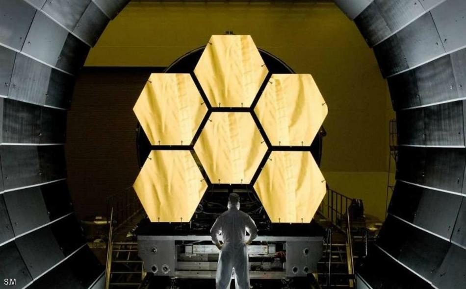 """ويعتبر علماء """"ناسا"""" إطلاق تلسكوب """"جيمس ويب"""" الفضائي حدثا تاريخيا، ويتوقعون أن يشكل نجاحه ثورة جديدة في علم الفلك، كتلك التي حققها سلفه """"هابل""""."""