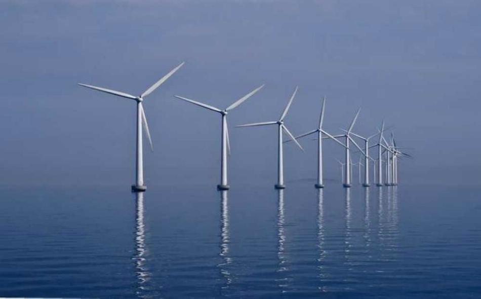 """خلص باحثون في معهد """"كارنيغي للعلوم"""" إلى أن الرياح القوية التي تهبّ في البحار، تجعل الطواحين المنصوبة هناك قادرة على توليد طاقة أكبر بخمس مرات من تلك المنصوبة على اليابسة."""
