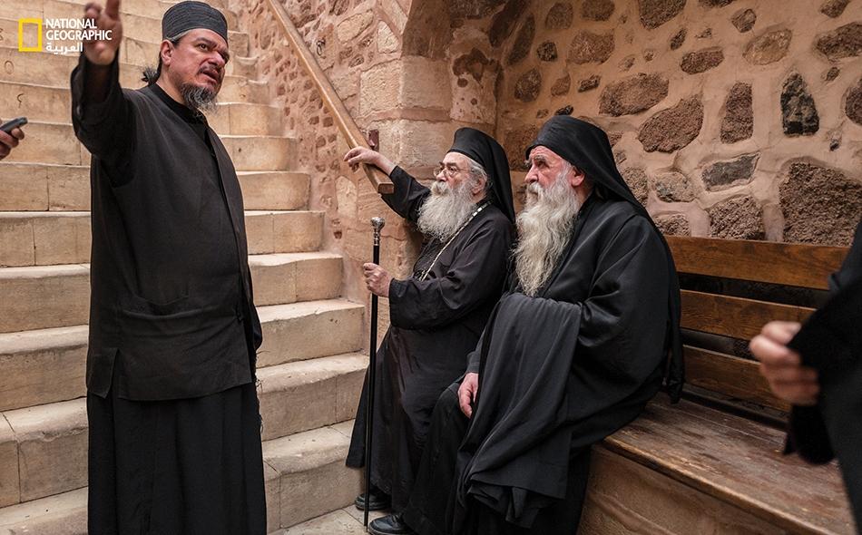 لا تغيب شؤون وشجون الحياة اليومية عن أحاديث الرهبان الـ 25 الذين يقضون ما تبقى من عمرهم داخل أروقة الدير العتيقة.