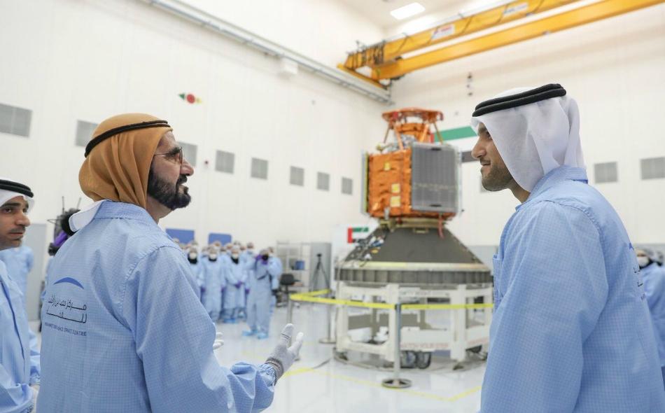 محمد بن راشد آل مكتوم: المهندسون الإماراتيون هم أول فريق عربي يستطيع بناء قمر صناعي بنسبة 100% دون أي مساعدة أجنبية، وشباب الإمارات أثبتوا كفاءة وقدرة فائقة في ميدان التصنيع الفضائي.