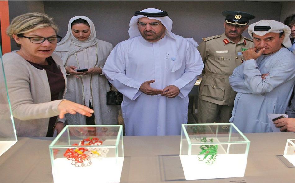 يتركز عمل المتحف على إسقاط الضوء حول إسهامات واكتشافات العلماء العرب والمسلمين، إلى جانب علماء العالم الفائزين بجائزة نوبل في مجال الكيمياء.