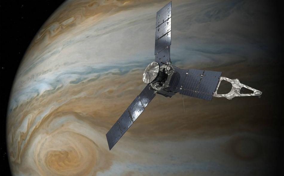 """تزود مركبة """"جونو"""" الفضائية -التابعة لوكالة """"ناسا"""" الأميركية تدور حول الكوكب منذ عام 2016- الباحثين بما يصفونه برؤية تفصيلية لم يسبق لها مثيل للتركيبة الداخلية وديناميكية كوكب المشتري. الصورة: NASA/JPL-Caltech"""