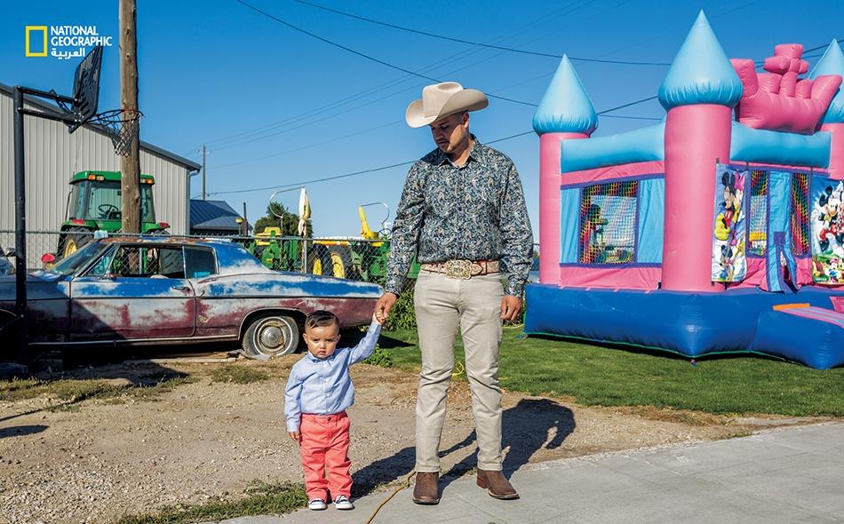 """جاء اللاتينيون إلى مدينة """"وايلدر"""" الصغيرة بولاية أيداهو، بصفتهم عمالاً زراعيين مهاجرين في النصف الثاني من القرن العشرين؛ وقد باتوا اليوم يشكلون 76 بالمئة من سكان هذه المدينة. وصل """"ميغيل..."""