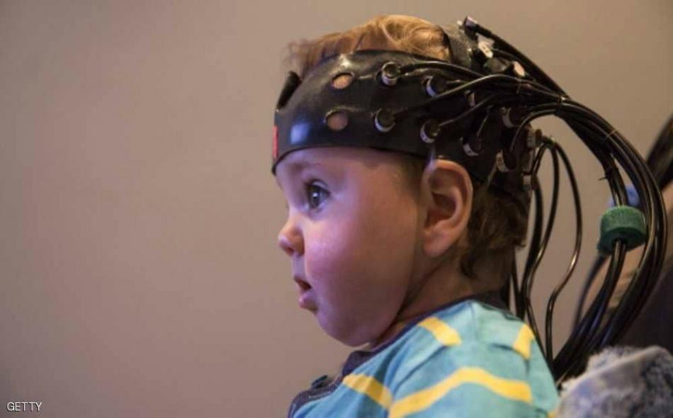 """تؤدي """"اللوزة الدماغية"""" دورا كبيرا في عمل الإنسان فهي تجعل بعض الأعمال محببة إليه، كما قد تجعله ينفر من بعض الأشياء ويمقتها، كما أنها متصلة بالذاكرة وتستحضر ما خبره الإنسان في وقت سابق."""