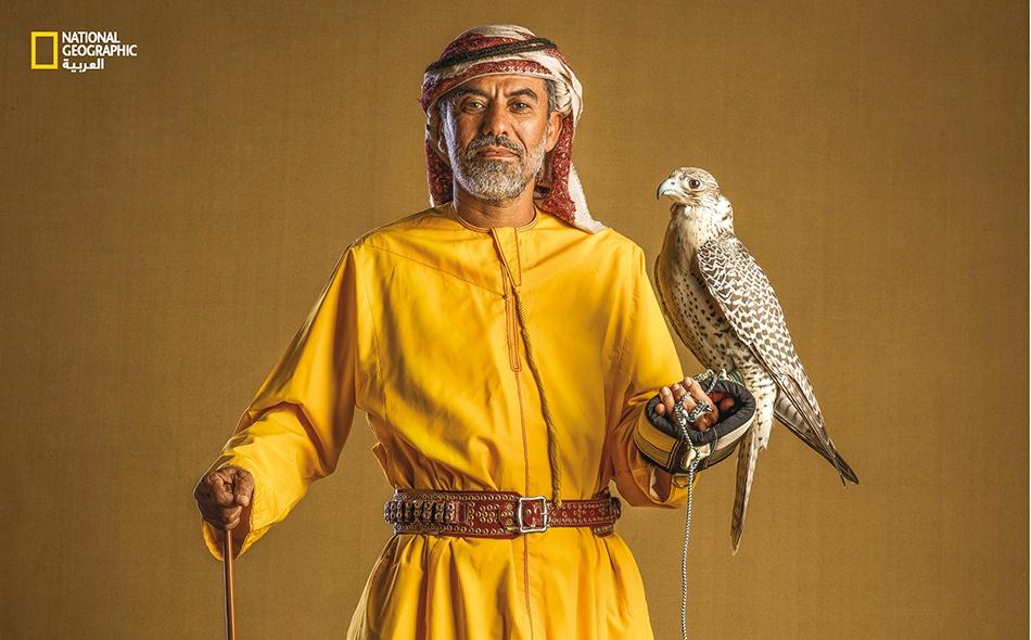 الدولة: الإمارات – الاسم: دلموك سعيد المهيري – الطائر: جير حر