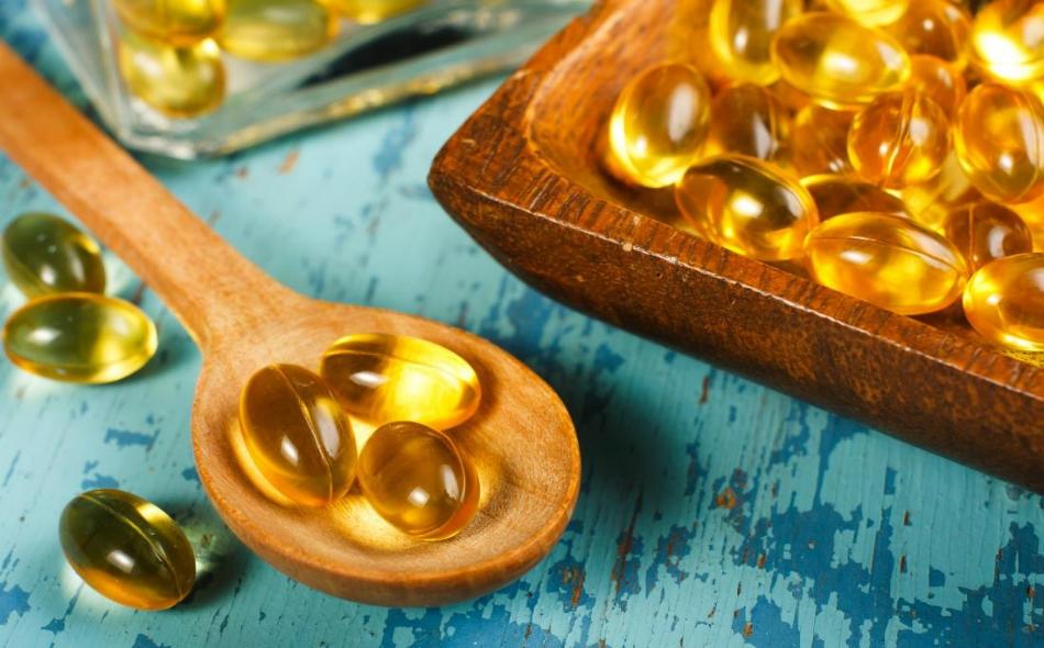 أظهرت دراسة جديدة أن معدل الإصابة بأزمة قلبية لدى من تناولوا زيت السمك كان أقل بنسبة 28 بالمئة، مقارنة بمن تناولوا عقاقير وهمية. الصورة: Medicalnewstoday.com