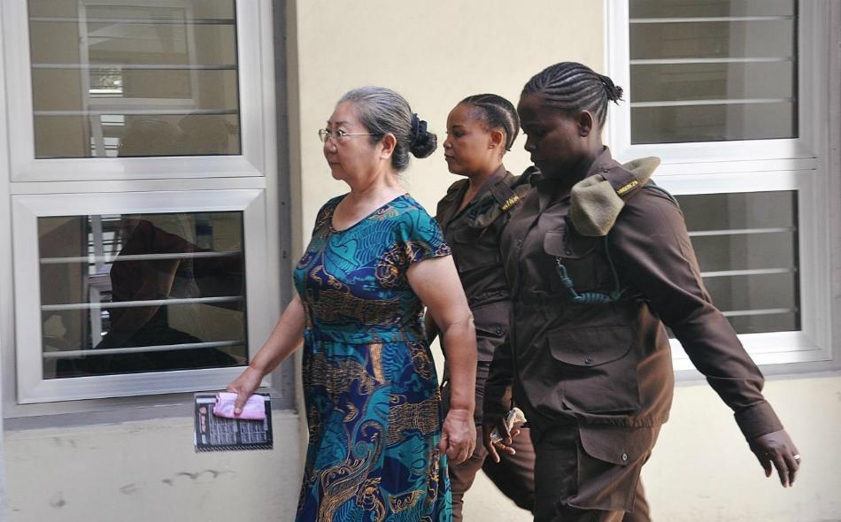 """وُجهت إلى السيدة الصينية """"ليانغ فينغ غلان"""" مع رجلين تنزانيين، اتهامات في أكتوبر عام 2015 بتهريب 860 قطعة من العاج بين عامي 2000 و 2004 تساوي نحو 5.6 مليون دولار. الصورة: REUTERS/Emmanuel Herman"""