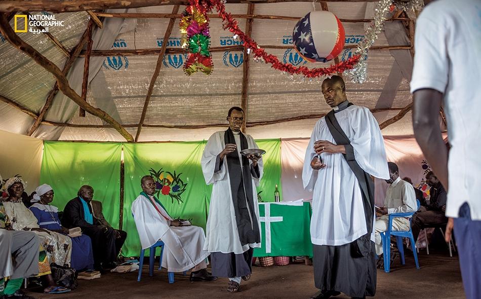 """استغرقت مراسم زفاف في إحدى أكبر كنائس مخيم """"بيديبيدي"""" أكثر من ست ساعات."""