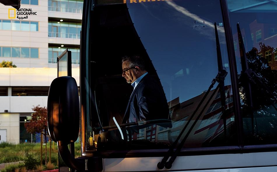 """4:20 مساءً. مغادرة حافلة """"أمتراك ثروواي"""""""