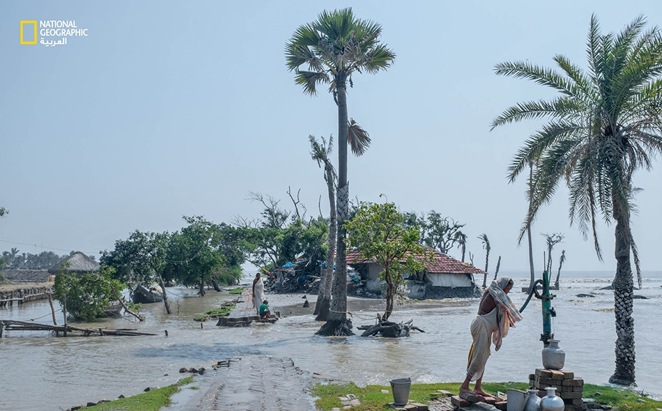 """تجتاح عواصف المد اليوم أجزاء من جزيرة """"ساغار""""، جنوب جزيرة """"غورامارا"""" لدى نهر """"هوغلي""""."""