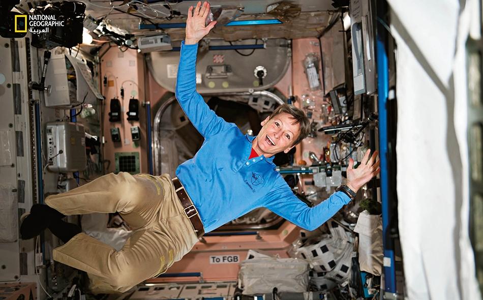"""أصبحت """"بيغي ويتسون""""، وهي رائدة فضاء لدى وكالة """"ناسا""""، أول امرأة تقود """"محطة الفضاء الدولية"""" خلال إحدى البعثات عام 2008."""