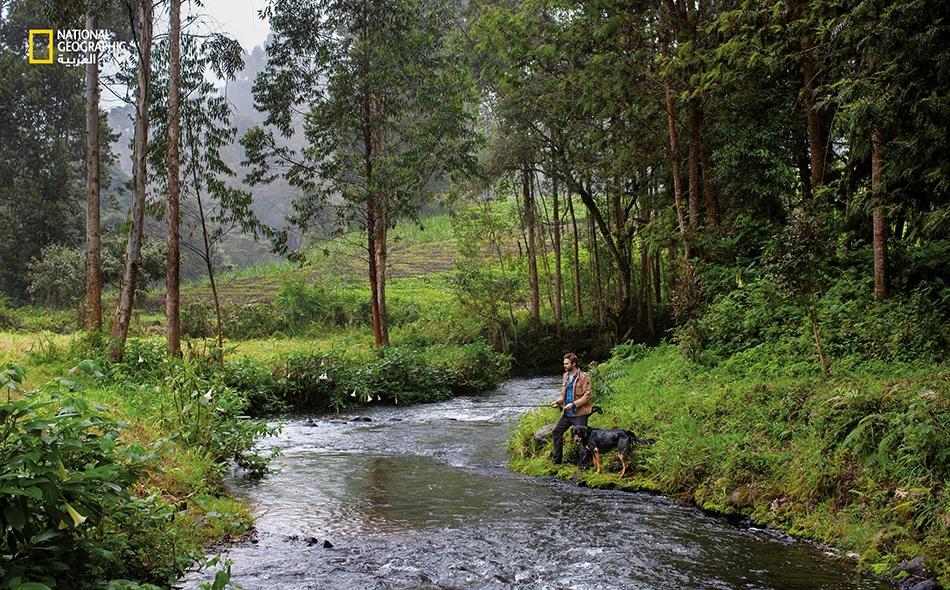 مصور منغمس في إحدى أشد البيئات الإفريقية اضطرابا، يجد ضالته في صيد السمك وسط مرتفعات كينيا الخصيبة.