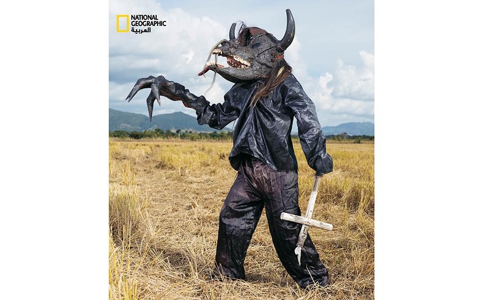 """جمهورية الدومينيكان، الشيطان هو الشخصية الرئيسة في الكرنفال بهذه الجمهورية، ويختلف تجسيده من قرية إلى أخرى. ويمكن صُنع قناع هذا الشيطان المسمى """"تيفوا"""" من جمجمة ثور أو حصان أو بقرة أو أشياء أخرى. تنطلق شياطين """"تيفوا"""" إلى شوارع """"سان خوان دي لا ماغوانا""""،..."""