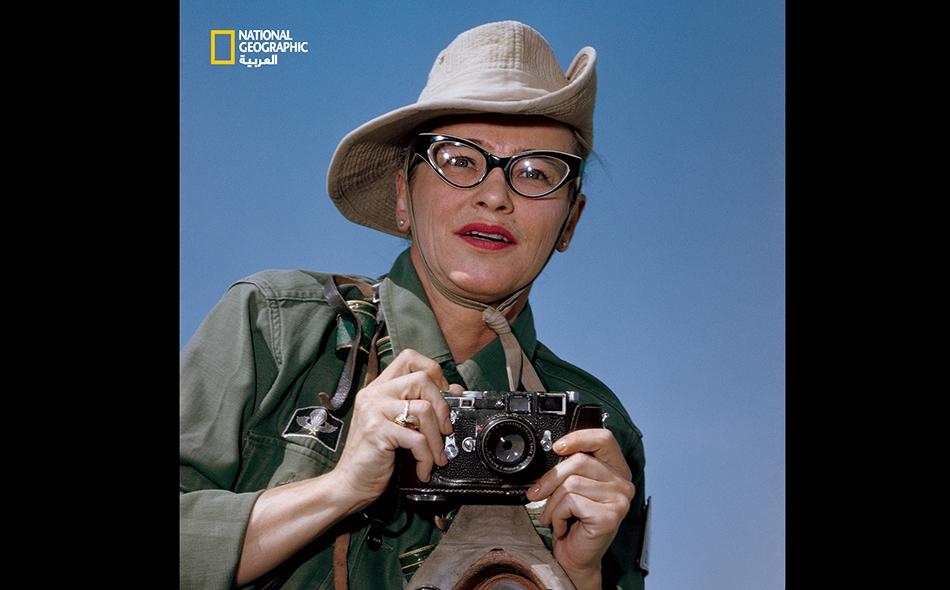 ديكي شابيل (1965-1919) مصوّرة صحافية لدى ناشيونال جيوغرافيك، لم تعرف الخوف قط؛ وقد نقلت أحداث الحرب العالمية الثانية وصولًا إلى حرب فيتنام؛ وهي أول مراسلة أميركية تُـقتل في ساحة معركة.