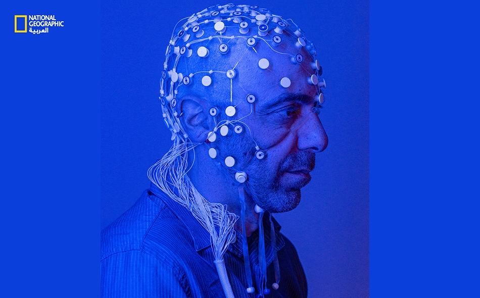 """كشفت معالجة بـ""""التصوير المسحي بالرنين المغناطيسي الوظيفي"""" لأدمغة المتطوعين أن الاتصالات العصبية بدأت في منطقة قرن آمون في عمق الدماغ، ومن ثم انتشرت هذه السيالات العصبية في جميع أنحاء الدماغ. وعندما وصلت السيالات العصبية المرتبطة بالإجهاد إلى منطقة تحت..."""